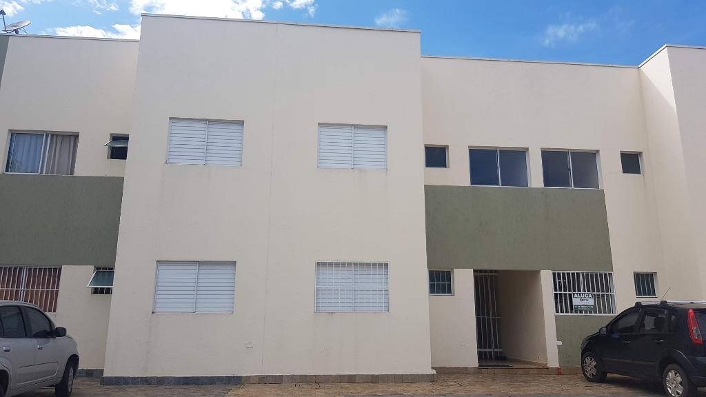 Apartamento com 2 dormitórios para alugar, 66 m² por R$ 850/mês - Universitário - Uberaba/MG