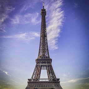 Eiffel Tower by Sam Shoesmith - Instagram & Mobile iPhone ( paris, eiffel )