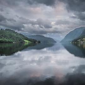 by Terje Jorgensen - Landscapes Waterscapes