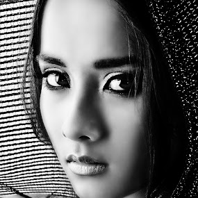 Aisha Asyraf by Hussin Mohd Nor - People Portraits of Women ( beauty, women, natural, portrait )