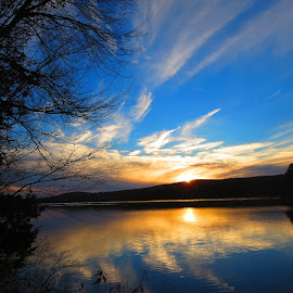 Suns Reflection by Richard Crosier - Landscapes Sunsets & Sunrises ( water, nature, sunset, sun-rays, landscapes,  )