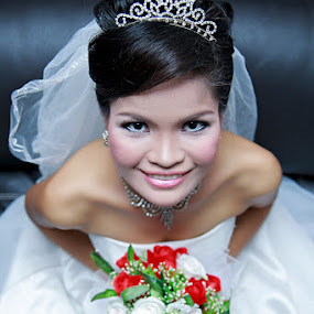 theSMILE by Matt Buvvart - Wedding Bride