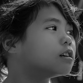 Cambodian Girl by Rick Pelletier - Novices Only Street & Candid