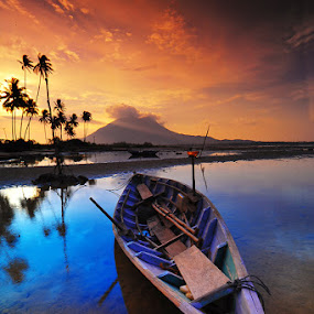 by Ramon Wel - Transportation Boats