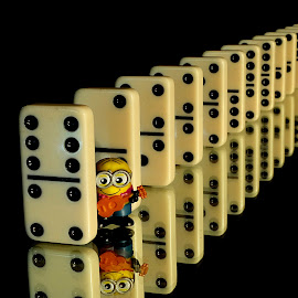 Domino Minion by Shawn Thomas - Artistic Objects Toys