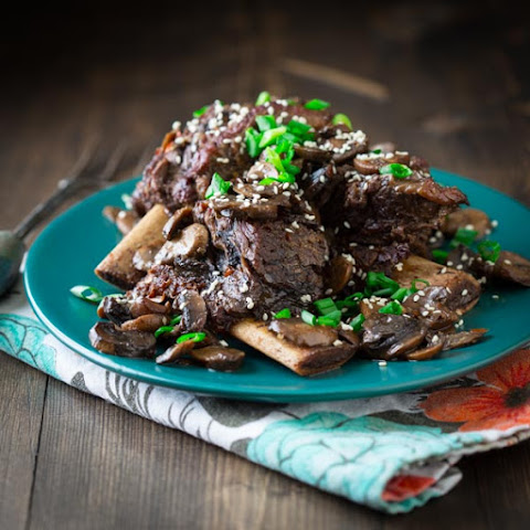 Sweet And Spicy Slow Cooker Short Ribs With Mushroom Ginger And Soy
