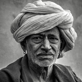 by Savio Joanes - People Portraits of Men ( senior citizen )