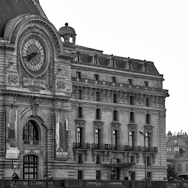 Musee d'Orsay in B&W by Tom Baker - Buildings & Architecture Public & Historical ( eiffel tower, paris, paris in b&w, musee dorsay, museum )