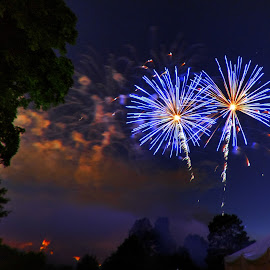 Blue Twin by Derrill Grabenstein - Abstract Fire & Fireworks