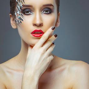 Sylwia Mickiewicz by Handy Wijaya - People Fashion ( fotografer surabaya, molla setti, sylwia mickiewicz, alienbees, fotografer fashion )