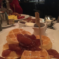 Amazing and fluffy gluten free waffles with apple !!!