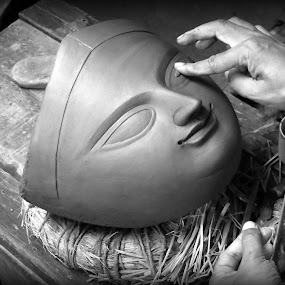Making of goddess by Anumita Das - Novices Only Objects & Still Life ( handwork, idol, artist )