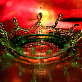 Crown of falling drops of water by Renata Ivanovic - Abstract Water Drops & Splashes ( water drops, abstract art, colors, crown, close up )