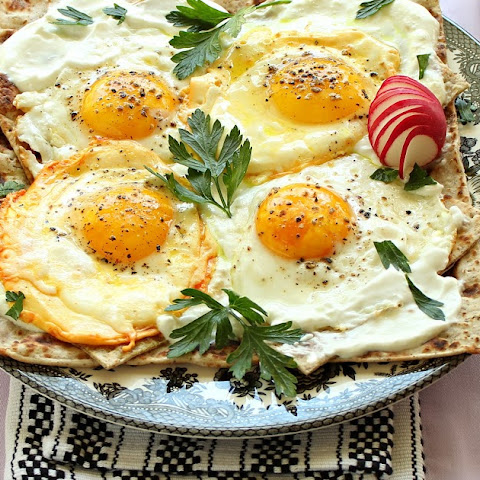 Gozlemeh - Fried Eggs with Garlic Yogurt Sauce - Iranian Style