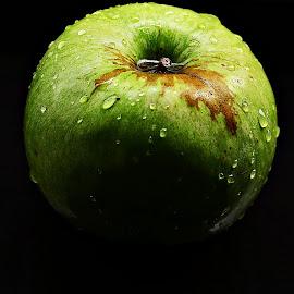 Washed Green Apple by Prasanta Das - Food & Drink Fruits & Vegetables ( freshly, washed, green )