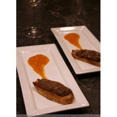 Country Chicken Liver Paté On Grilled Garlic Croustini With Papaya Sauce