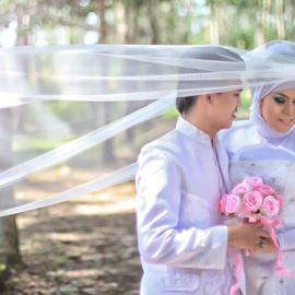 White Love by Tofan Wisuda Nova - Wedding Bride & Groom ( love, indonesia, bride, groom, sumateraselatan, lahat, photofan )