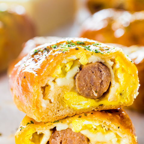 Sausage and Egg Breakfast Rolls