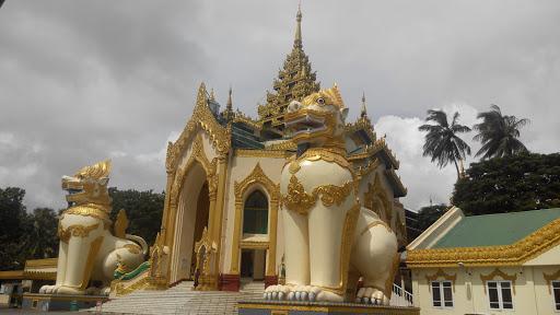 W.Gate Shwedagone Pagoda