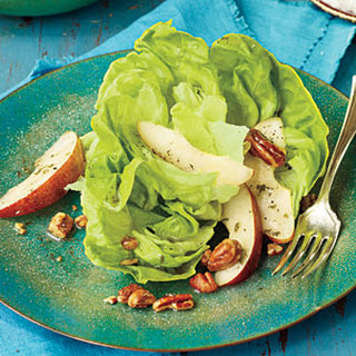 Leafy Green Salad with Pears