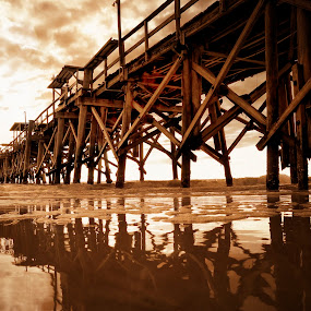by Georgios Kalogeropoulos - Uncategorized All Uncategorized ( long pier )