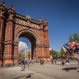 Arc de Triomf by Ole Steffensen - Buildings & Architecture Public & Historical ( arc de triomf, triumphal arch, balloons, barcelona, spain )