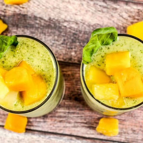 Hawaii Five-O Smoothie with pineapple and mango