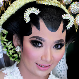 restu by Rezi Lando - Wedding Bride ( wedding photography, wedding day, makeup, wedding, wedding details,  )