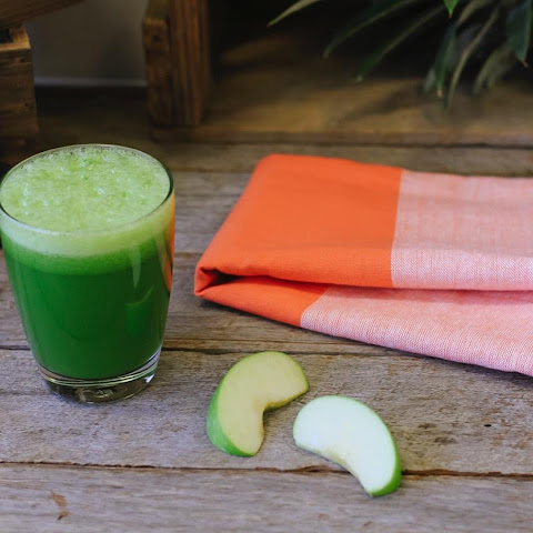 Super Detox Green Juice – Reduces inflammation of the digestive system!