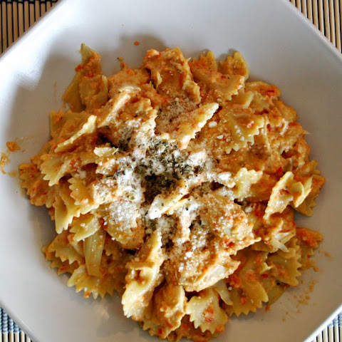Roasted Red Pepper & Goat Cheese Pasta