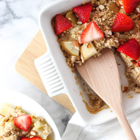 Strawberry Pear Baked Oatmeal