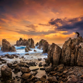 by Ivan Lee - Landscapes Sunsets & Sunrises ( canon, waves, sunset, cliff, photographer )