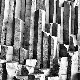 by Tara Bauman - Nature Up Close Rock & Stone