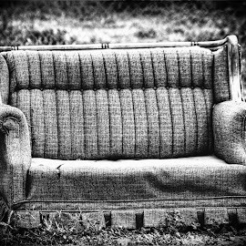 Abandoned sofa by Paul Valencia - Artistic Objects Furniture ( sofa, black and white, furniture, junk, abandoned,  )
