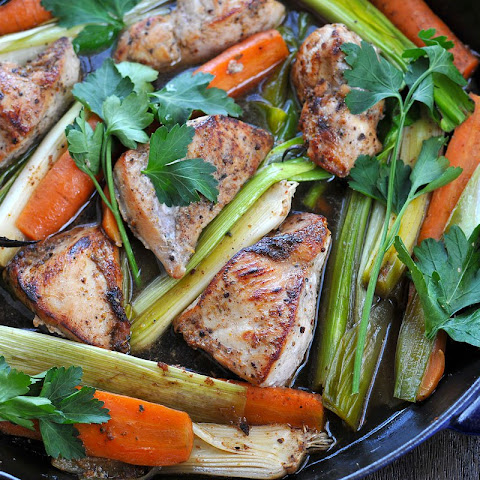 25-Minute Skillet Chicken w/ Carrots & Leeks (gf)