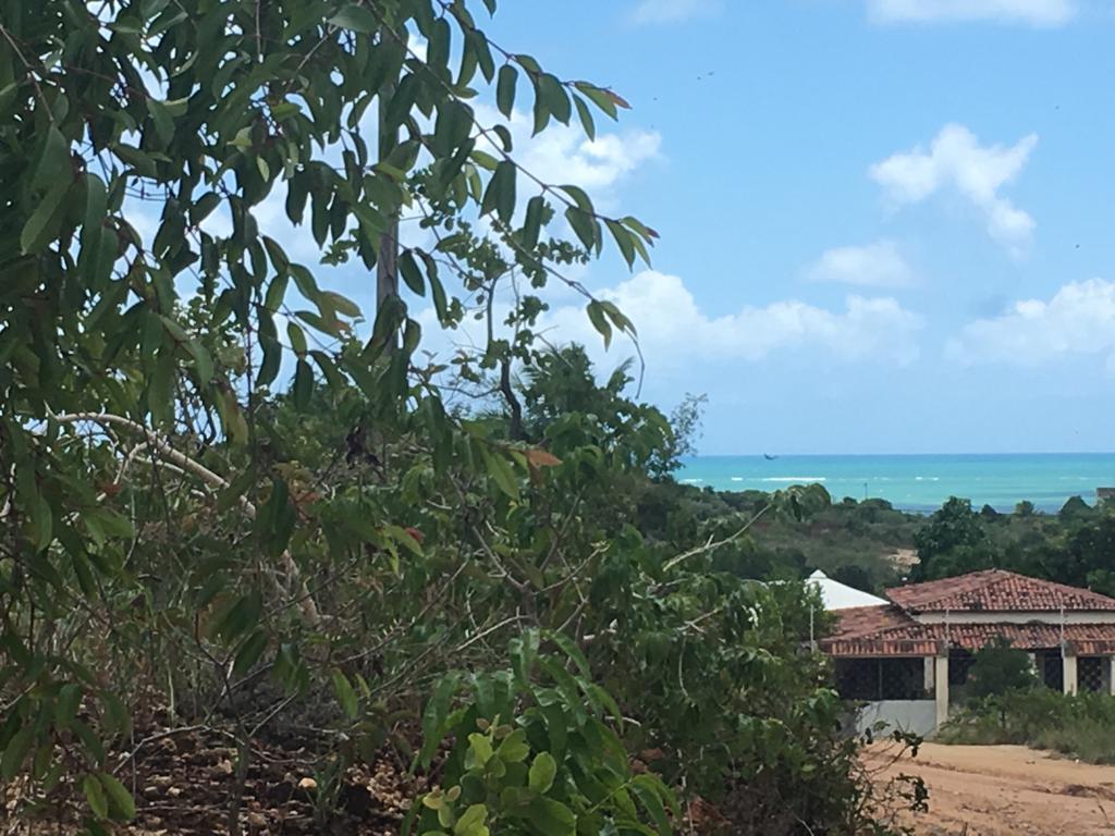 1.350 m² em Tabatinga com vista mar!