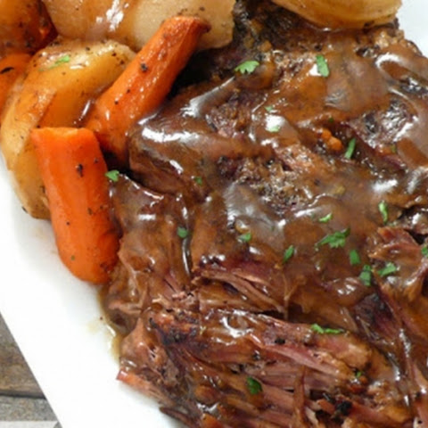 Slow Cooker Pot Roast & Potatoes
