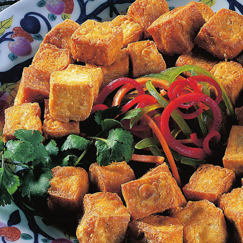Deep-fried Tofu with Peanut Sauce