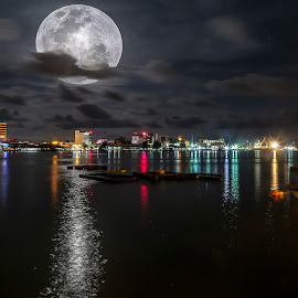 Beautiful night skies with full moon by Daimasala Abdullah - Landscapes Waterscapes ( shore, reflection, moon, tropical, ocean, travel, beach, landscape, romance, exotic, vinatage, coast, waterscape., city, island, borneo, sky, midnight, nature, tree, full, dark, light, evening, black, water, sand, beautiful, romantic, horizon, sea, tourism, seascape, relaxation, dusk, moonlight, deserted, palm, holiday, vacation, blue, outdoor, background, wave, traquil, summer, scene, night )