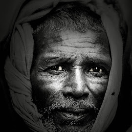 DRAMATIC by Rahul Chowdhury - People Portraits of Men ( wrinkles, face, old, stubble, black and white, beard, eyes,  )