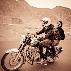 En route Leh by Mangesh Jadhav - Transportation Motorcycles ( bike, royal, enfield, silver, black )