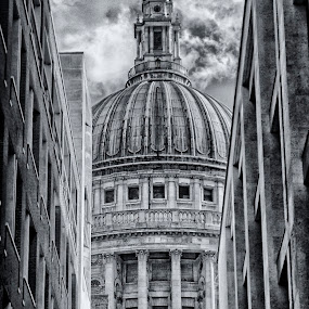 St Paul's Cathedral, London by Savio Joanes - Buildings & Architecture Places of Worship