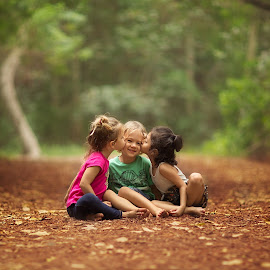 Friends by Nemanja Stanisic - Babies & Children Child Portraits ( love, friends, children, kids, kisses )