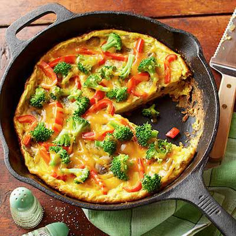 BROCCOLI AND MUSHROOM FRITTATA WITH TOMATO SALSA