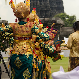 by Arry Gunawan - People Musicians & Entertainers ( girl, yogyakarta, ritual, indonesia, traditional, nikon, prambanan, dance, hinduism )