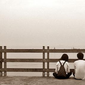 Love is all around.. by Bop Aurelio - Instagram & Mobile Other