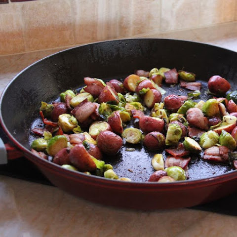 Easy Roasted Brussels Sprouts with Red Potatoes and Bacon