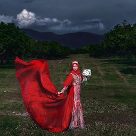 The Bride by Budin DaneCreative - Wedding Bride