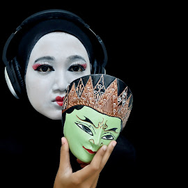 Behind The Mask by Agus Mahmuda - People Body Art/Tattoos ( cool, the best, face, clown, white, mask, black )