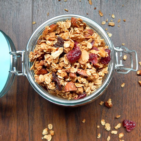 Granola with Nuts and Dried Fruit
